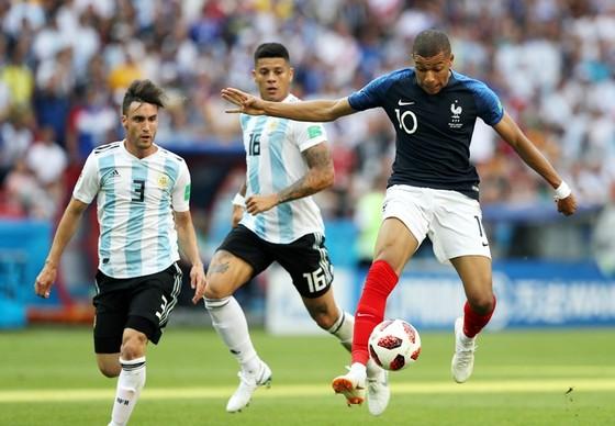 Mbappe đạt tốc độ phi thường trong trận đấu với Argentina. Ảnh: Getty Images