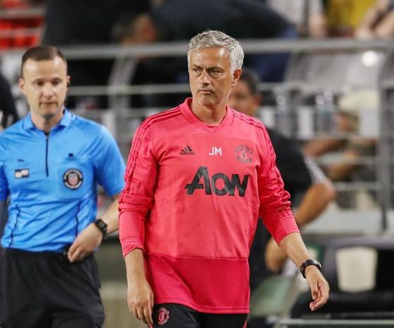 Jose Mourinho khó có thể tận hưởng chuyến du đấu đáng hài lòng. Ảnh: Getty Images