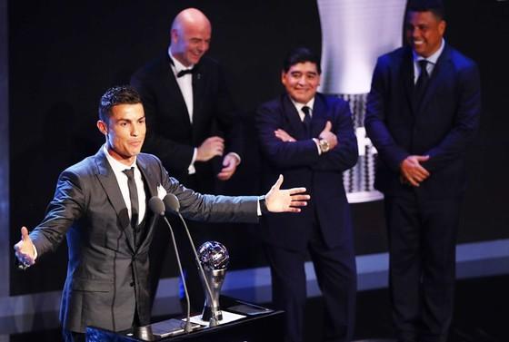 Ronaldo liệu có thống trị The Best thêm năm nữa? Ảnh: Getty Images