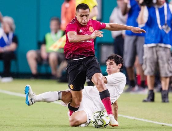 Alexis Sanchez trong loạt trận giao hữu trước giải. Ảnh: Getty Images