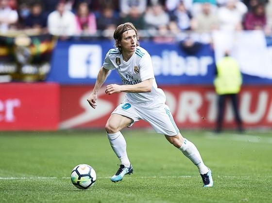 Modric đã quyết định ở lại Real. Ảnh: Getty Images