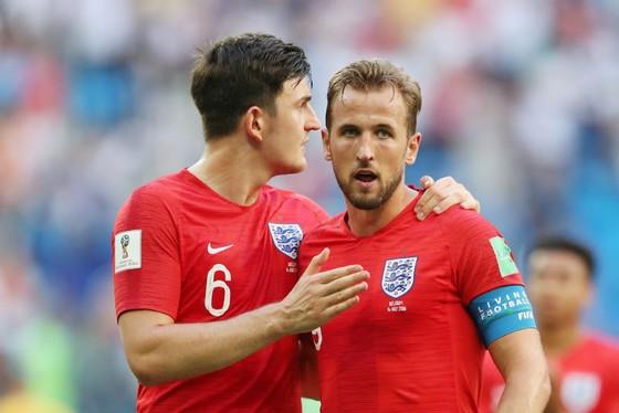 Harry Kane (phải) thất vọng vì không thể giúp tuyển Anh giành hạng 3 World Cup khi thua tuyển Bỉ. Ảnh: Getty Images