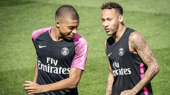 Neymar và Mbappe sẽ mục tiêu Perez nhắm tới vào mùa hè tới. Ảnh AS.