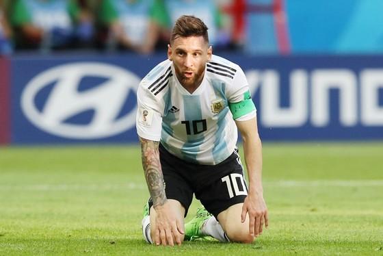 Messi từng đau khổ tột cùng khi thất bại cùng tuyển Argentina tại Copa America 2016. Ảnh: Getty Images.