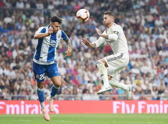 Ramos đã chơi tự do hơn rất nhiều dưới thời HLV Lopetegui. Ảnh Getty Images.