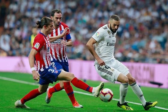 Hàng công Real bế tắc trước Atletico. Ảnh Getty Images.