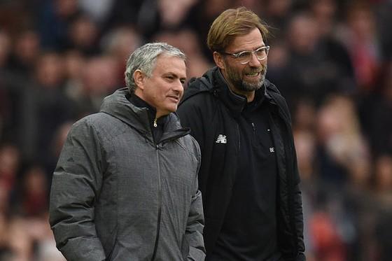 HLV Jose Mourinho tin rằng Jurgen Klopp đang tự gây rắc rối với bản thân. Ảnh: Getty Images