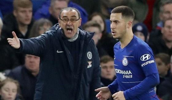 HLV Maurizio Sarri tự tin vào năng lực ghi bàn xuất sắc của Eden Hazard. Ảnh: AP