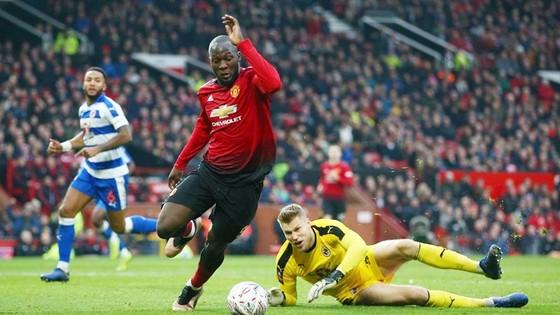 Romelu Lukaku tiếp tục mạch ghi bàn ấn tượng để giúp Man.United đi tiếp. Ảnh: Getty Images