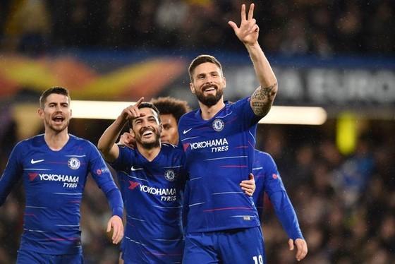 Europa League: Arsenal thảm bại trên đất Pháp, Chelsea đặt vé tứ kết ảnh 1
