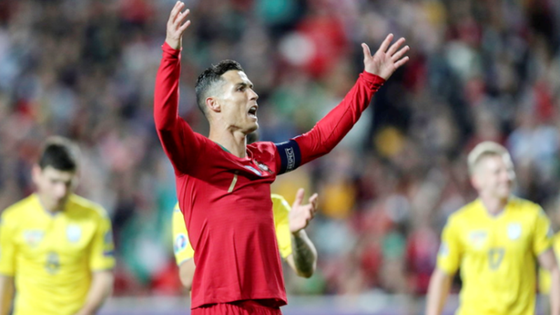 """EURO 2020: Sterling giúp tuyển Anh """"càn quét"""" CH Séc, Ronaldo trở lại trong thất vọng ảnh 1"""