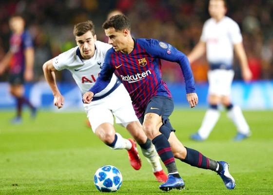 Philippe Coutinho khi cùng Barca trở lại Anh đối đầu Tottenham tại vòng bảng Champions League mùa này. Ảnh: Getty Images