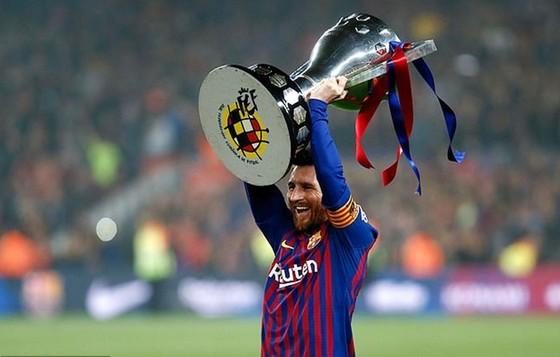 HLV Klopp hé lộ nỗi lo lớn nhất khi đối đầu Barca ảnh 1