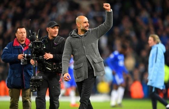 HLV Pep Guardiola đầy tự tin sau chiến thắng then chốt trước Leicester ở vòng áp chót. Ảnh: Getty Images