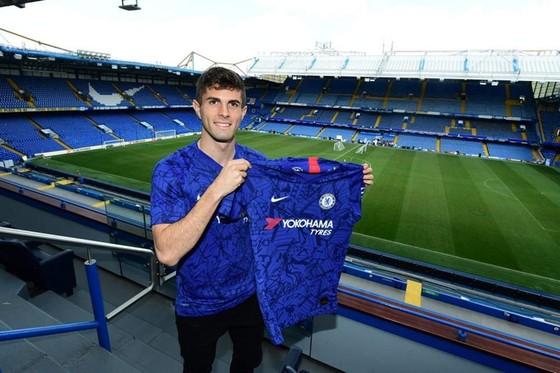 """Christian Pulisic là """"bom tấn"""" đầu tiên ở Premier League, nhưng Chelsea đã thực hiện hợp đồng này từ tháng Giêng. Ảnh: Getty Images"""
