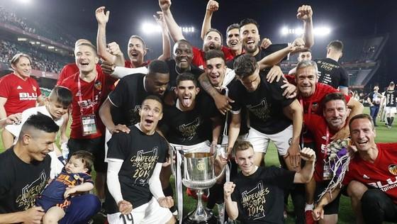 Valencia thắng danh hiệu lớn kỷ niệm 100 năm. Ảnh: Getty Images