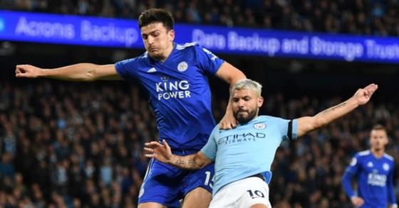 Harry Maguire (trái) là mục tiêu hàng đầu mà HLV Pep Guardiola muốn tăng cường. Ảnh: Getty Images