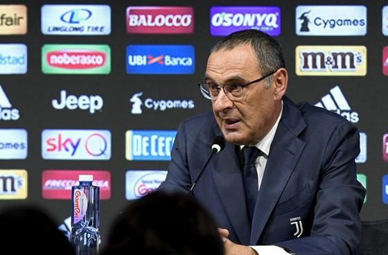 HLV Maurizio Sarri đang nhận được sự ủng hộ mạnh mẽ từ Juventus. Ảnh: Getty Images
