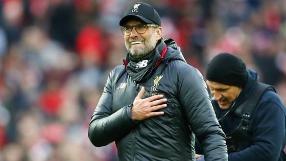 """Liverpool sẵn sàng biến Jurgen Klopp trở thành """"Sir Alex của Anfield"""", nhưng HLV này thì chưa. Ảnh: Getty Images"""