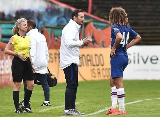 Lampard hòa trong trận ra mắt của Chelsea ảnh 1