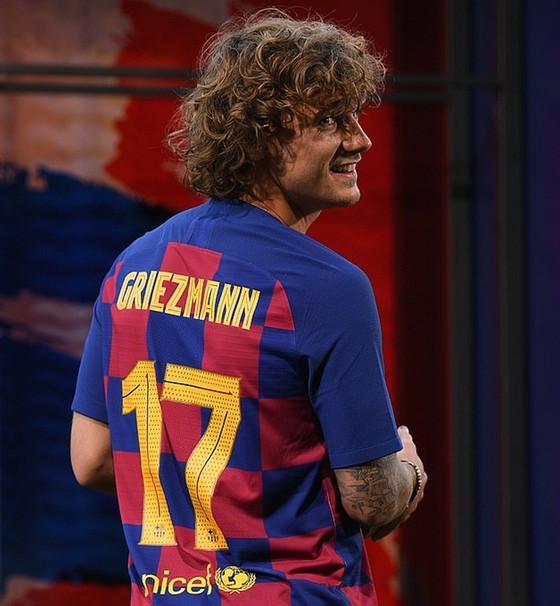 """Griezmann chính thức ra mắt ở Barca: """"Messi luôn là số 1!"""" ảnh 1"""