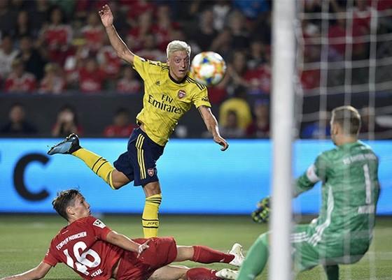 Mesut Oezil được kỳ vọng vào một diện mạo mới ở mùa này. Ảnh: Getty Images
