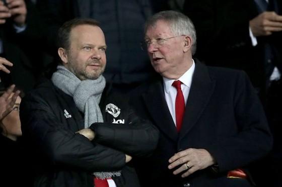 """Giá trị Man.United giảm sâu, """"xếp lớn"""" rối rít chữa cháy ảnh 1"""