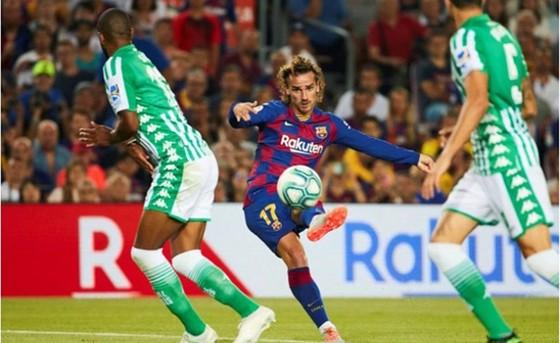 """""""Sao chép"""" Messi, Griezmann tỏa sáng giúp Barca thắng vang dội ảnh 1"""