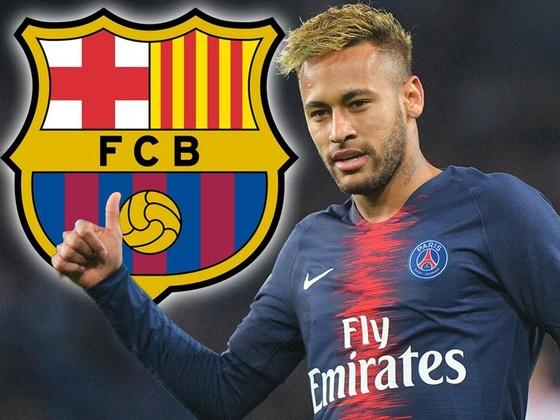 Neymar dường như đang tiến gần thời điểm trở lại Barca. Ảnh: Mirror
