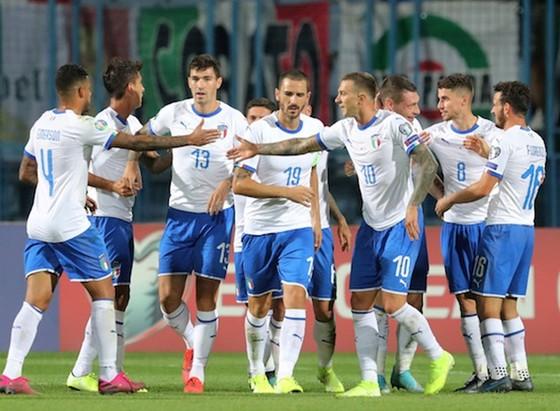 Vòng loại EURO 2020: Tây Ban Nha, Italia duy trì thành tích hoàn hảo ảnh 1