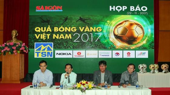 Họp báo công bố giải thưởng Quả bóng Vàng Việt Nam 2017. Ảnh: DŨNG PHƯƠNG