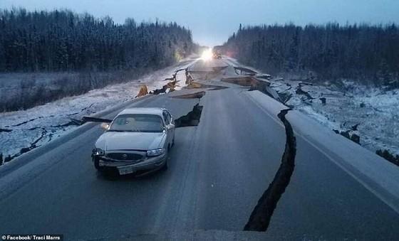 Động đất làm rung chuyển thành phố Anchorage, bang Alaska ảnh 3