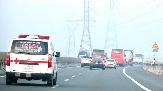 Cao tốc TPHCM - Trung Lương biến thành đường tránh ảnh 1