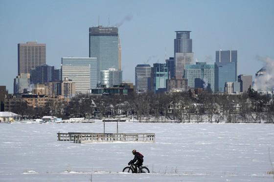 Mỹ lạnh hơn Nam cực, ít nhất 12 người chết ảnh 1