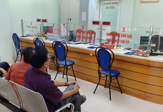 Nơi phục vụ tốt, nơi để dân chờ trong ngày làm việc đầu năm ảnh 2