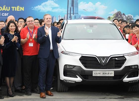 VinFast hoàn thành sản xuất thử nghiệm chiếc LUX SUV đầu tiên ảnh 8