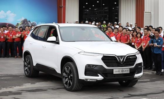 VinFast hoàn thành sản xuất thử nghiệm chiếc LUX SUV đầu tiên ảnh 9