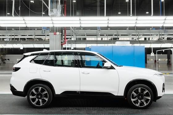 VinFast hoàn thành sản xuất thử nghiệm chiếc LUX SUV đầu tiên ảnh 1