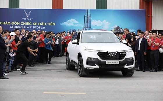 VinFast hoàn thành sản xuất thử nghiệm chiếc LUX SUV đầu tiên ảnh 4