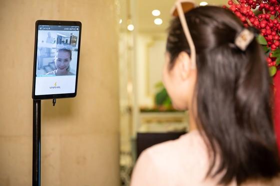 """Đua nhau """"check in"""" tại khách sạn áp dụng công nghệ nhân dạng đầu tiên tại Việt Nam ảnh 2"""