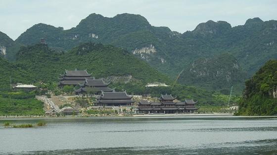 Huyên náo Tam Chúc - Bài 1: Dịch vụ ở ngôi chùa lớn nhất thế giới ảnh 5