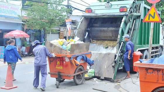 Đấu thầu cung ứng dịch vụ thu gom và xử lý rác ảnh 1