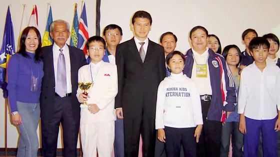 Lê Quang Liêm giành cúp á quân U.12 thế giới tại Hy Lạp năm 2003