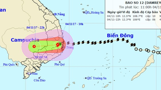 Trong 12 giờ tới, bão số 12 tiếp tục đi sâu vào đất liền và suy yếu dần thành áp thấp nhiệt đới ảnh 1