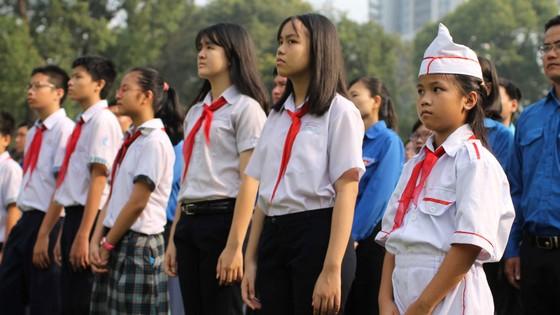 Đông đảo các tầng lớp nhân dân đưa tiễn nguyên Thủ tướng Phan Văn Khải ảnh 19