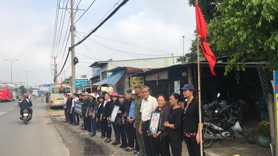Đông đảo các tầng lớp nhân dân đưa tiễn nguyên Thủ tướng Phan Văn Khải ảnh 43