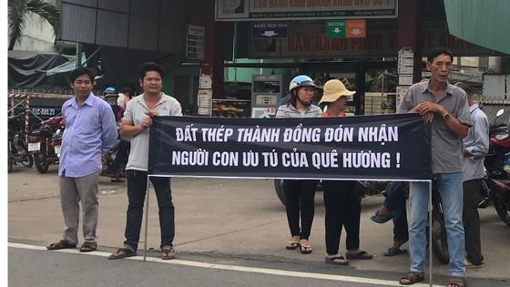 Đông đảo các tầng lớp nhân dân đưa tiễn nguyên Thủ tướng Phan Văn Khải ảnh 39