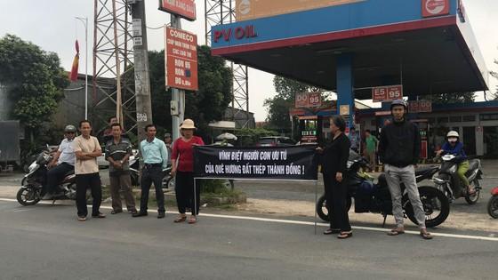 Đông đảo các tầng lớp nhân dân đưa tiễn nguyên Thủ tướng Phan Văn Khải ảnh 41