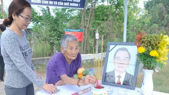 Đông đảo các tầng lớp nhân dân đưa tiễn nguyên Thủ tướng Phan Văn Khải ảnh 51