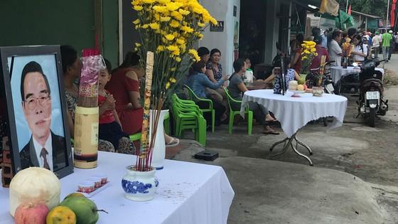 Đông đảo các tầng lớp nhân dân đưa tiễn nguyên Thủ tướng Phan Văn Khải ảnh 47